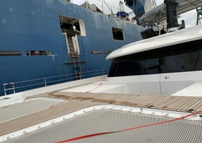 yacht Convoyage bateau - Transport bateau par cargo Chargement
