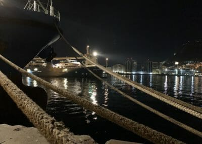 Transport yacht par cargo, une alternative au convoyage par skipper