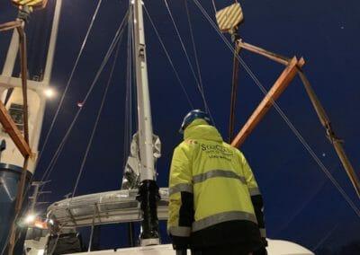 Supervision levage catamaran Sunreef par un LoadMaster