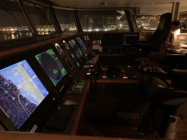 navigation de nuit catamaran - apprendre la voile